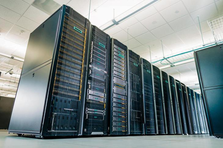 HER SKJER DET: Gjennom Virtual Apps and Desktops kobler Vikenco-ansatte seg på Serit sitt topp moderne datasenter og utnytter seg av datakraften til Hewlett Packard Enterprise. Foto: Illustrasjonsbilde.